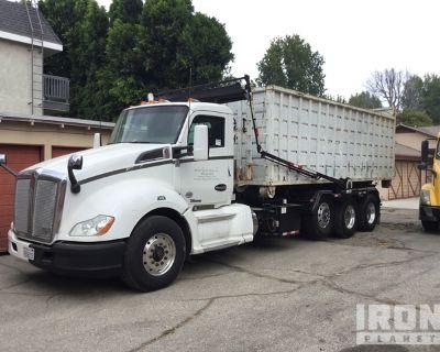 2017 Kenworth T880 6x4 Roll Off Truck