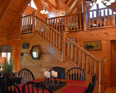 BEAUTIFUL 2/2 CABIN WITH LOFT GAMEROOM - Pigeon Forge