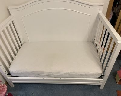 Toddler bed and Convertible Crib/toddler bed