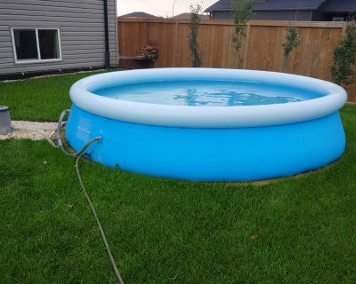 12' easy set up Pool with Pump