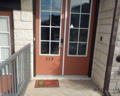 Ellsworth Dr. Nw Fulton, GA 30318 3 Bedroom Townhouse Rental