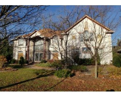 4 Bed 3.5 Bath Foreclosure Property in Lincolnwood, IL 60712 - N Longmeadow Ave