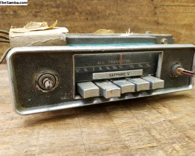 1967 Bus Sapphire V Radio and Faceplate