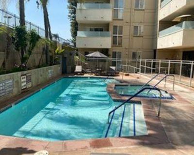 4949 Genesta Ave #111, Los Angeles, CA 91316 2 Bedroom Condo