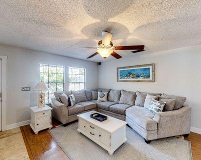 Family-Friendly Home W/ Enclosed Backyard, RV/Boat Parking, & High-Speed WiFi - Bradenton