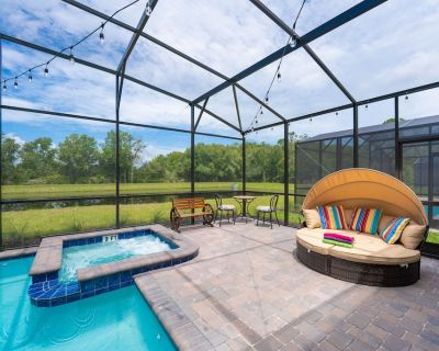 Brand New Waterfront 8BR House -- Game Room, Private Pool - Kissimmee