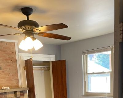 Private room with shared bathroom - Pittsburgh , PA 15232
