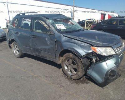 Salvage Gray 2013 Subaru Forester