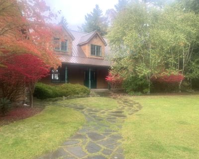 Beautiful Mountainside Waterview Home on Gorgeous Orcas Island - Eastsound