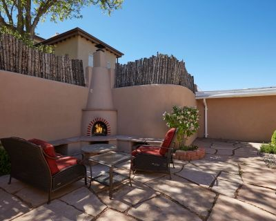 Restored 3 Bedroom Luxury Home with 2 Master Suites -10 Minute Walk to Plaza - Northeast Santa Fe