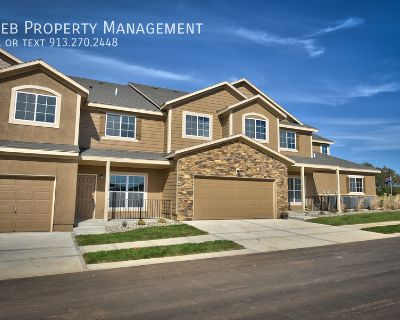 Parkview Townhome - Available November 17th
