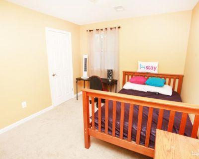 Annandale, VA 22003 1 Bedroom House Rental