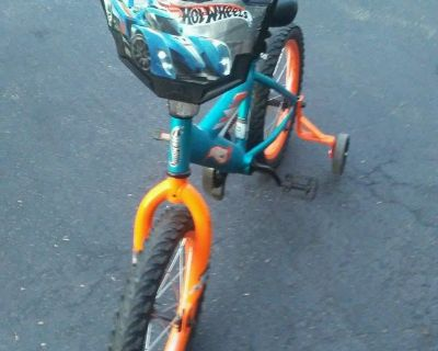12 Inch Hot Wheels Bike w/training wheels