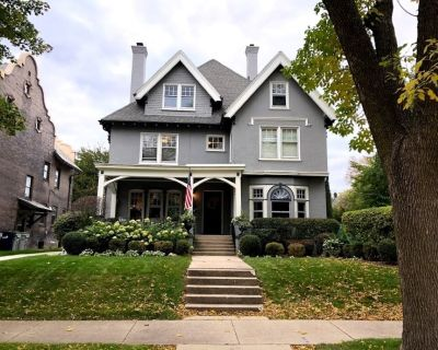 Charming, East Side family-friendly mansion in perfect location for DNC! - Northpoint
