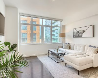 Stylish & Upscale 1BR Apt in the Heart of Denver - LoDo