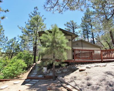 NEW!!Almost A View - Cute, Updated Cabin. Dog Friendly! AMAZING LOCATION!! - Big Bear Lake