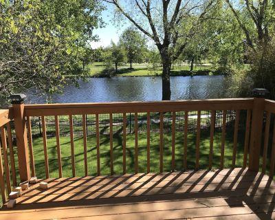 Great Getaway with a Lake View! - Wichita