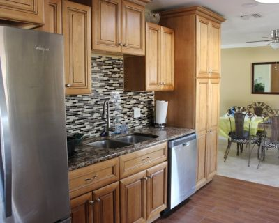 Beautiful newly remodeled home in quiet community - Port Charlotte - Charlotte Harbor (and vicinity)