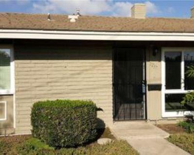 1237 E 1st St, Tustin, CA 92780 2 Bedroom Condo