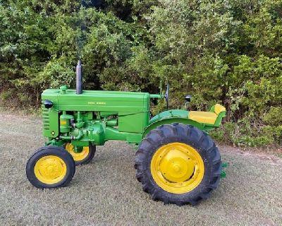 John Deere 1951 Tractor