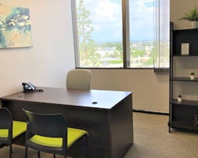 Private Office for 3 at Pacific Workplaces - Bakersfield