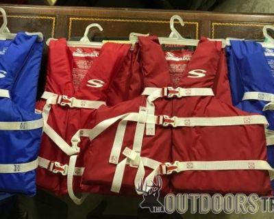 FS 4 Adult Sterns Universal Type III Life Vest