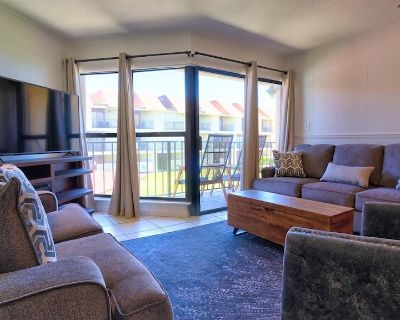 GULFVIEW TOWNHOUSE, UPDATED DECOR, CLOSE TO EVERYTHING - Gulf Shores