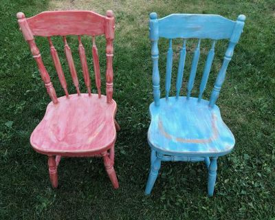 2 dinning room chairs.