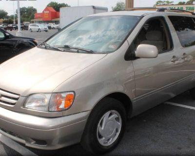 2002 Toyota Sienna LE