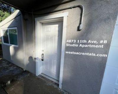 4873 11th Ave #B, Sacramento, CA 95820 Studio Apartment