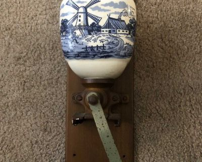 Vintage Dutch Holland Hand Painted Delft Blue/White Wall Mount Coffee Grinder
