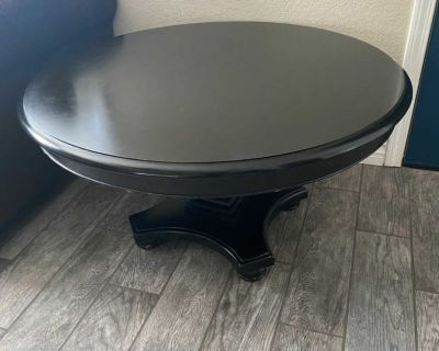 Round expresso coffee table