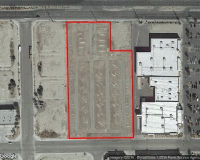 INDIO: IN THE SHOWCASE SHOPPING CENTER, MIXED USE