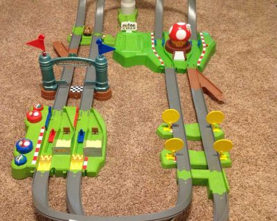 Hot Wheels Mario Kart Track