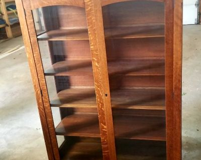 Antique Oak Early 20th Century china cabinet