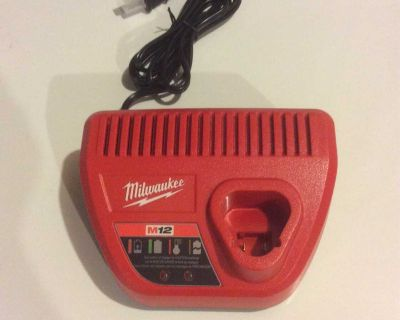 NEW Milwaukee M12 Battery Charger