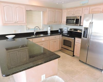 Serenity Now - Newly renovated kitchen, beach front house with spectacular views - Panama City Beach
