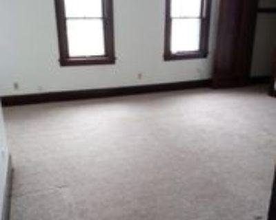 1915 1/2 Farrell Ter #4, Farrell, PA 16121 Studio Apartment