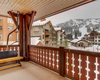Ski-in/out condo w/shared pool, hot tub & more - awesome views! - Salt Lake Mountain Resorts