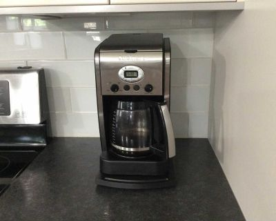 EXCELLENT CONDITION 14 CUP CUISINART COFFEE MAKER