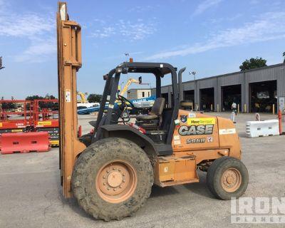 2014 (unverified) Case 586H 6000 lb 4x2 Rough Terrain Forklift