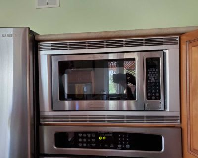 Frigidaire build in Microwave