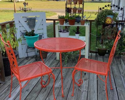 Retro Style Outdoor Metal Table and Chair Set CROSS POSTED