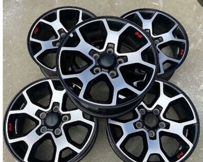 California - 5 Rubicon JL stock wheels