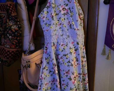 baby blue floral dress size: small