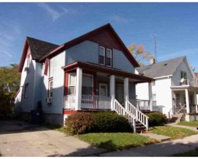3 Bed 2 Bath Foreclosure Property in Racine, WI 53403 - Grand Ave