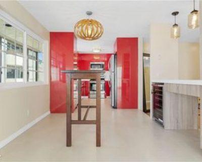 1127 10th St #104, Santa Monica, CA 90403 3 Bedroom Condo