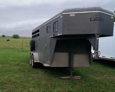 03 Legend Stockman Stock/horse trailer