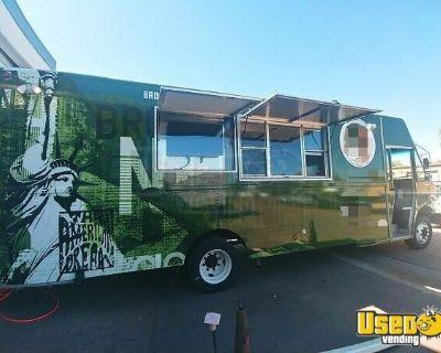 2005 22' Freightliner MT45 Diesel Kitchen Food Truck with Pro-Fire