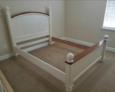 Full size country bed
